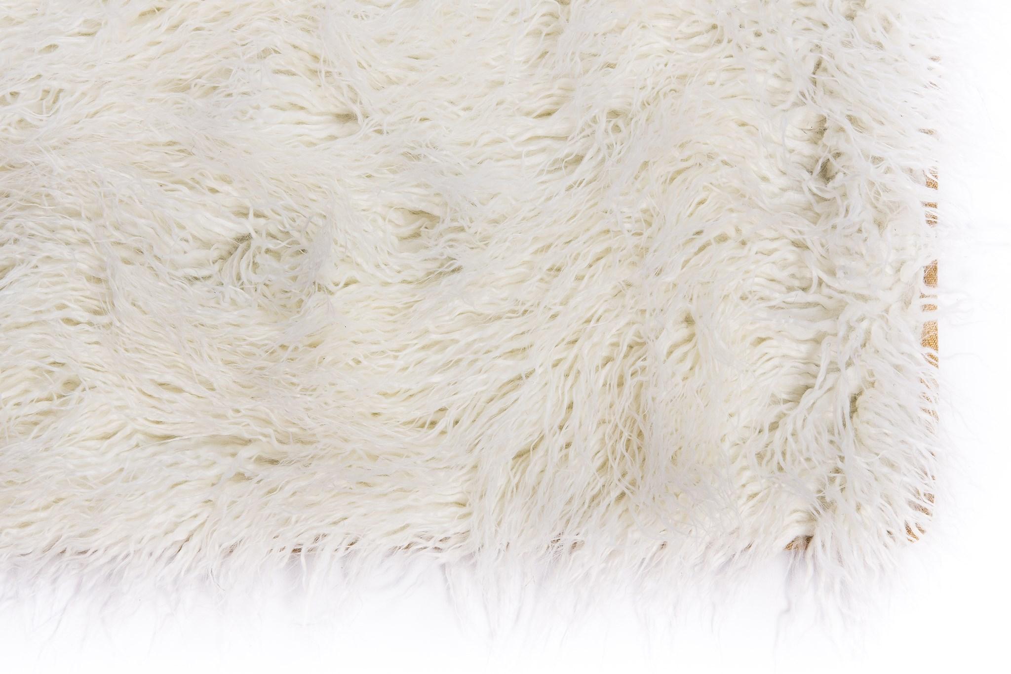 Faux Tibetan Lamb Rug: 6'x9' White