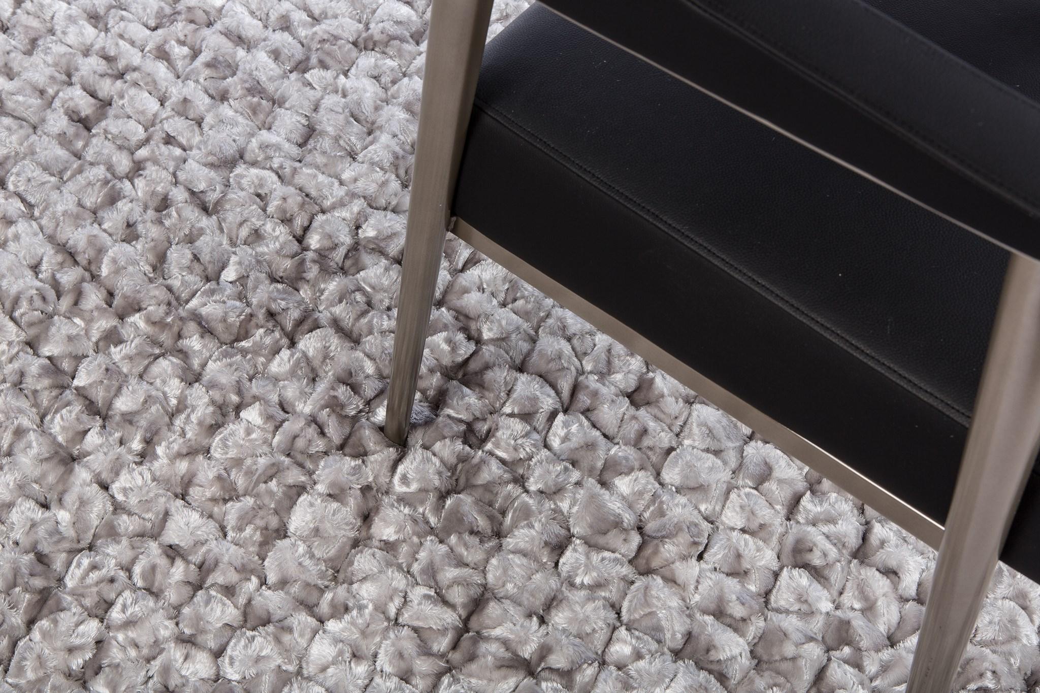 Shimmer Pebble Rug: 6'x9' Chrome