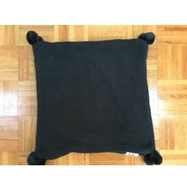 L343 Black Pom Pom