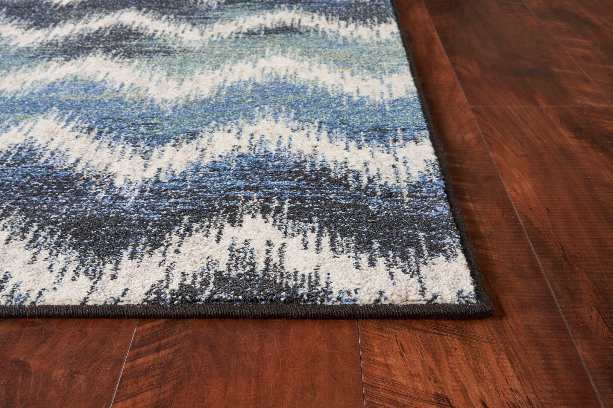 Laguna 7631 Shades of Blue Chevron