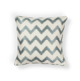L245 Ivory/Lt.Blue Chevron Pillow