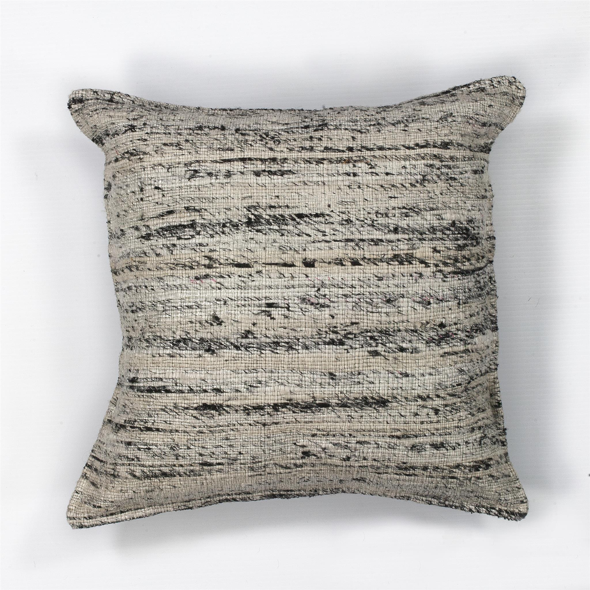 L103 Black & White Viscose Pillow